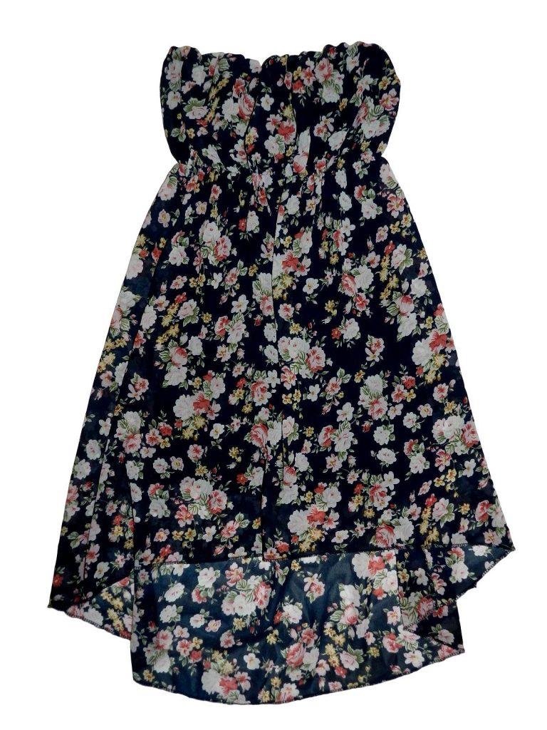 Jó állapotú Egyéb márka Virágmintás ruha (134-140)