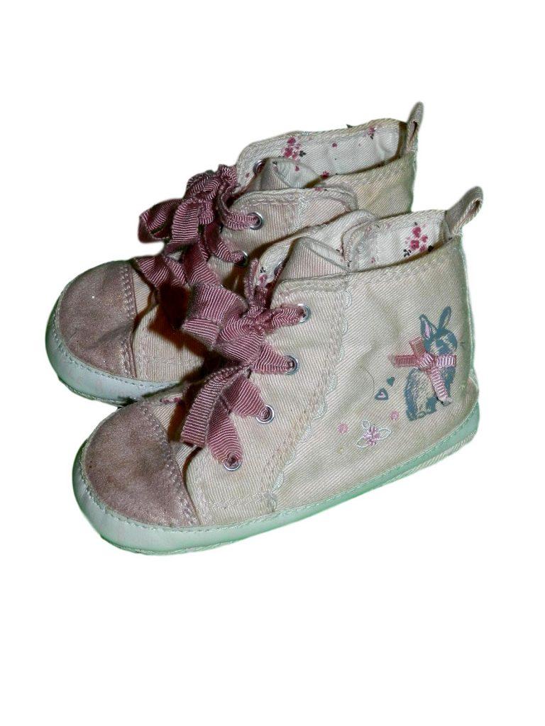 Jó állapotú Next Nyuszis ,rózsaszín cipő (86-92)
